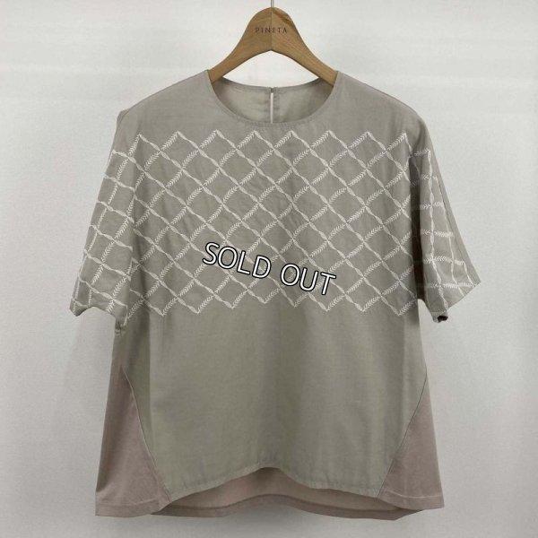 画像1: [PINETA]刺繍フブラウス 異素材切替 (1)